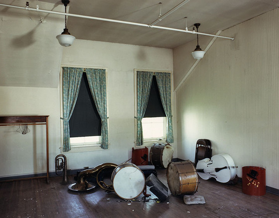 Forgotten-band-instruments-at-an-abandoned-psychiatric-institution-in-Utica